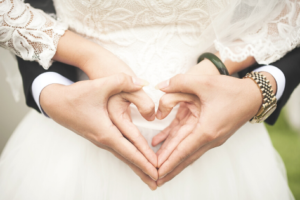 Top 10 Wedding Gifts for Couples in a Long Distance Relationship